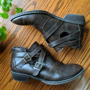 b.o.c.   Denali Strappy Low-Heeled Boots